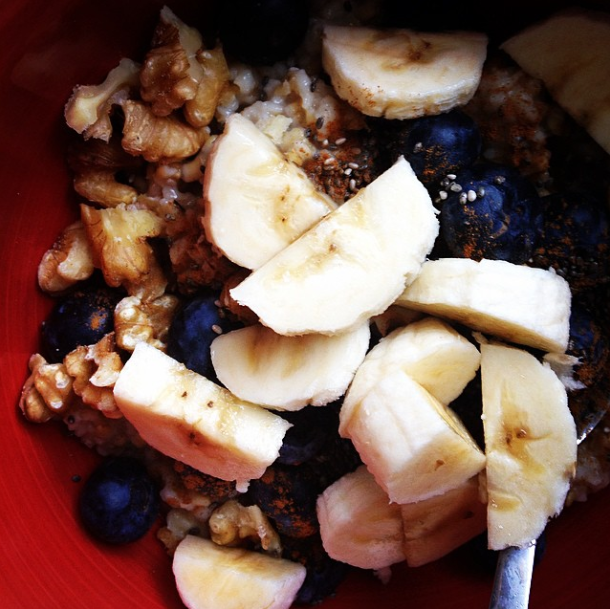 15.3.9 TheWholeRuth Blueberry Banana Chia Walnut Cinnamon Oatmeal